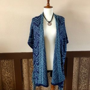 Romeo + Juliet Fringed Open Poncho Cardigan